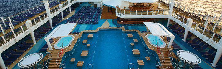 Piscine du bateau de croisière Norwegian Escape
