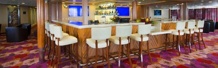 Bar du bateau de croisière Aranui 5