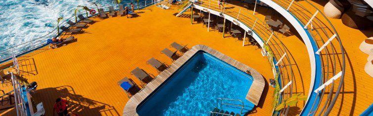 Piscine du bateau de croisière Aranui 5