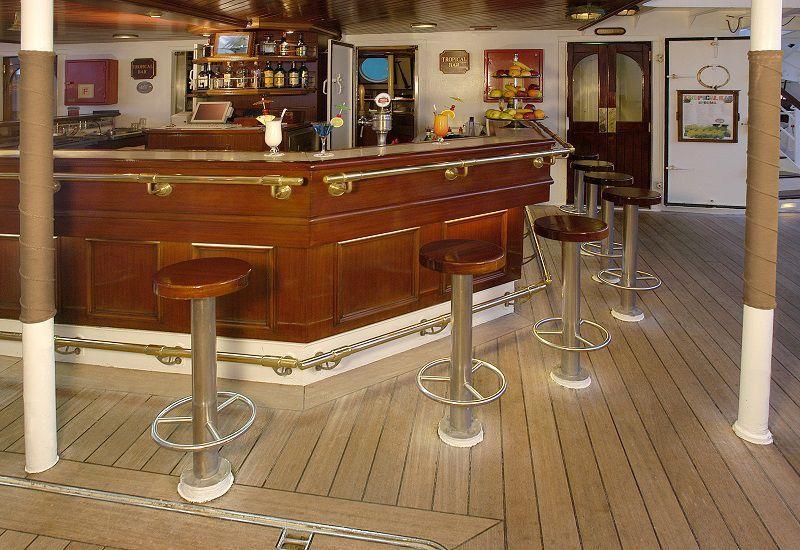 Le Tropical Bar du bateau de croisière Star Flyer