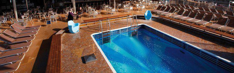 Photo de la piscine du bateau de croisière Costa Deliziosa