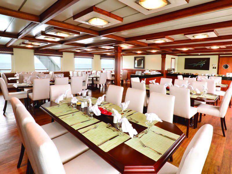 Restaurant du bateau de croisière Celebrity Xperience