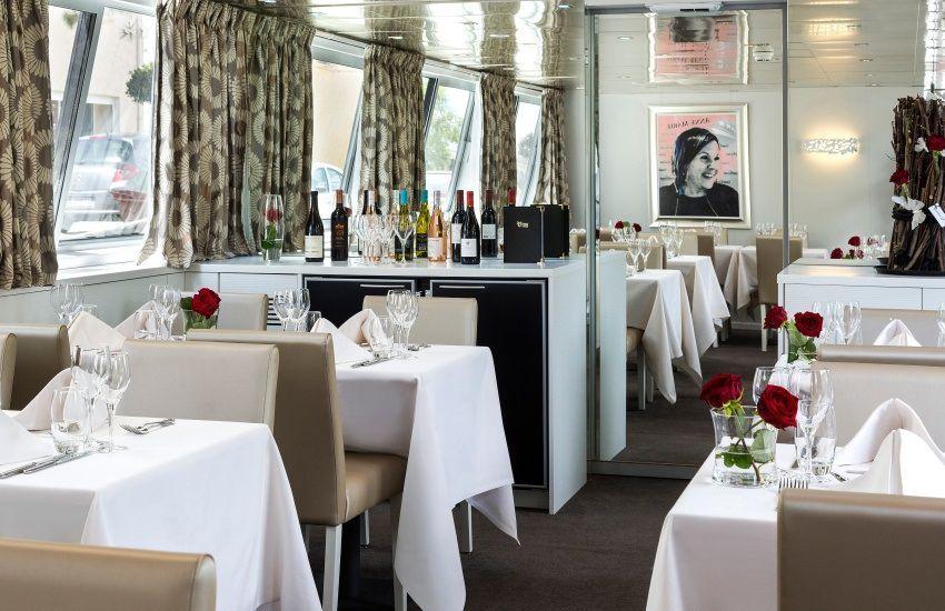 Restaurant de la péniche de croisière Anne Marie