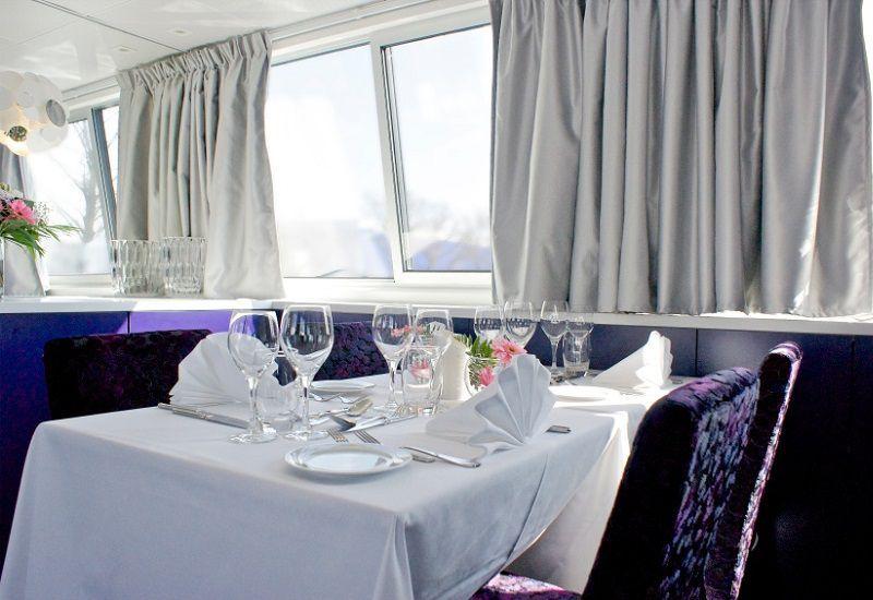 RestaurantSalon à bord du Ms Déborah
