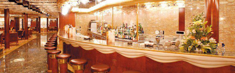 Bar du bateau de croisière Costa Mediterranea