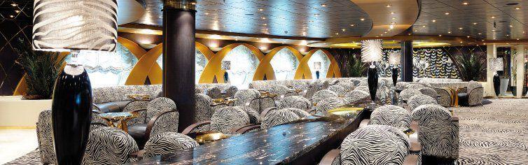 Bar du bateau de croisière MSC Poesia