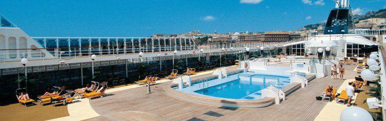 Piscine du bateau de croisière MSC Opera