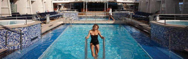 Piscine du bateau de croisière Celebrity Equinox