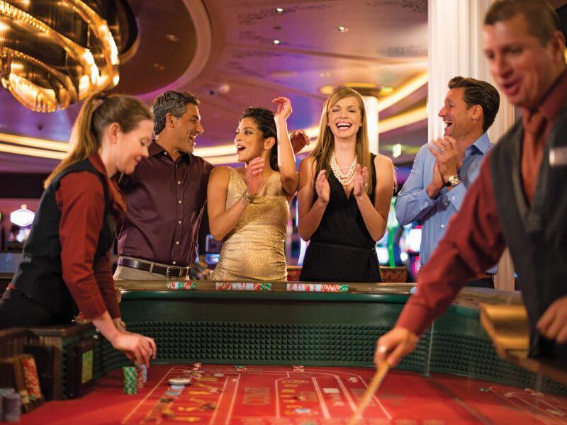 Le casino du bateau de croisière Celebrity Summit