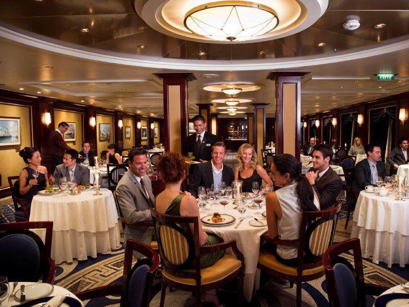 Restaurant Ocean Liners du bateau de croisière Celebrity Constellation