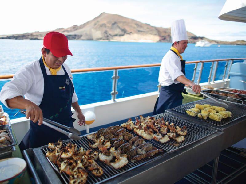 Barbecue du bateau de croisière Celebrity Xpedition