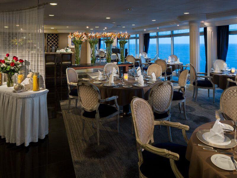 Restaurant AQUALINA du bateau de croisière Azamara Journey