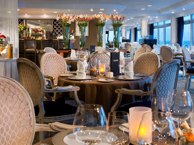 Restaurant AQUALINA du bateau de croisière Azamara Quest