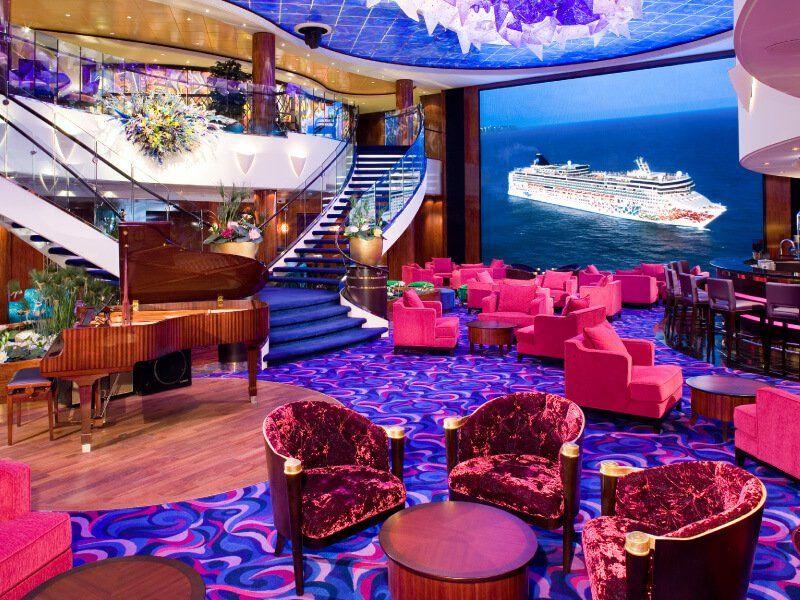 Atrium du bateau de croisière Norwegian Gem