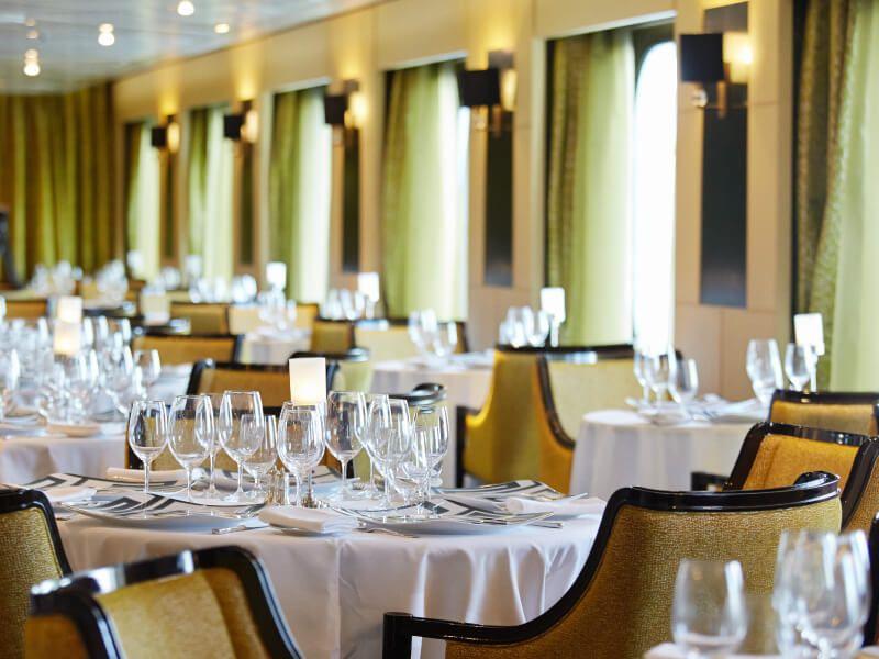 Restaurant SIGNATURES du bateau de croisière Seven Seas Mariner