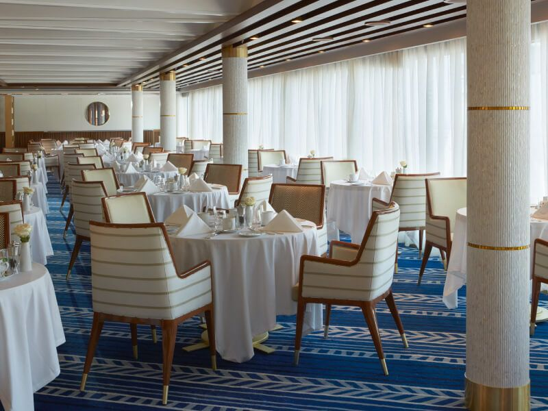 Restaurant  La Véranda du bateau de croisière Seven Seas Explorer