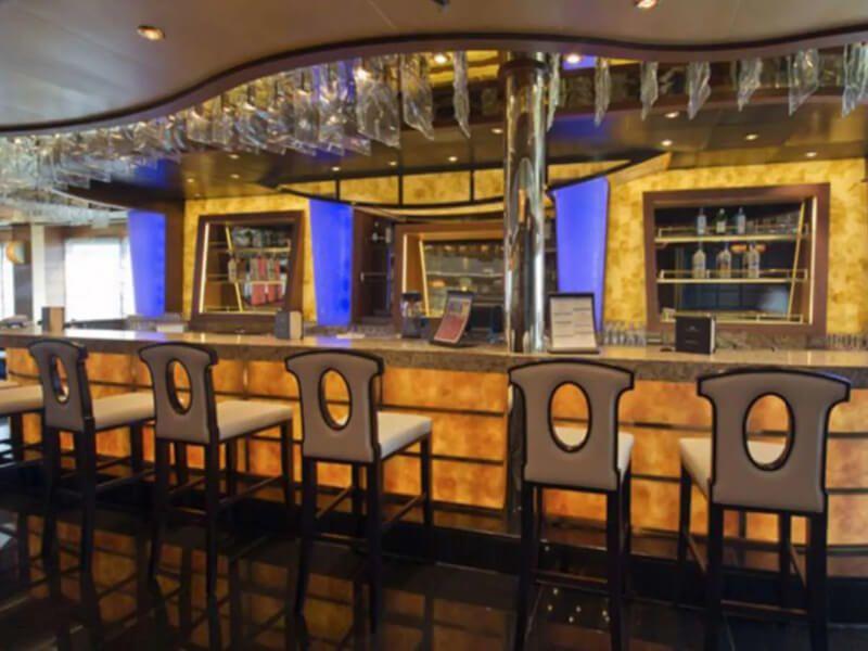 Salon bar du bateau de croisière Grand Princess