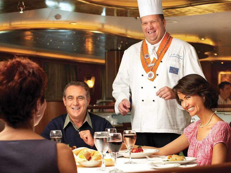 Restaurant du bateau de croisière Island Princess