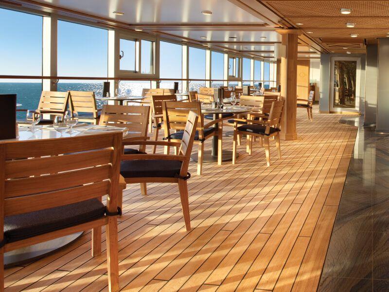 Terrasse du bateau de croisière Insignia