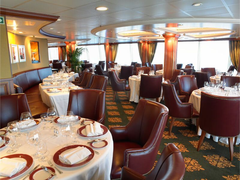 Polo grill du bateau de croisière Marina