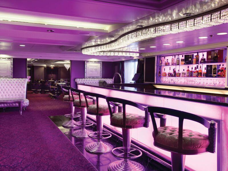 Casino bar du bateau de croisière Riviera
