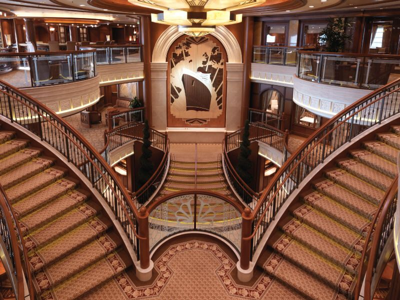 Atrium du bateau de croisière Queen Elizabeth