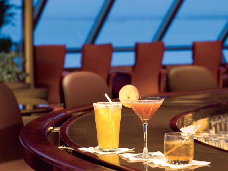 Cocktails à bord du bateau de croisière MS Noordam