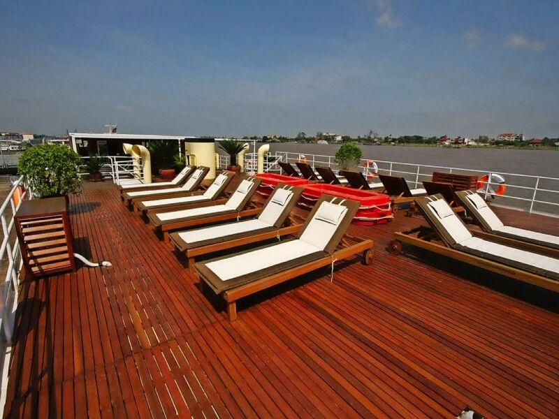 Pont soleil du bateau RV Indochine