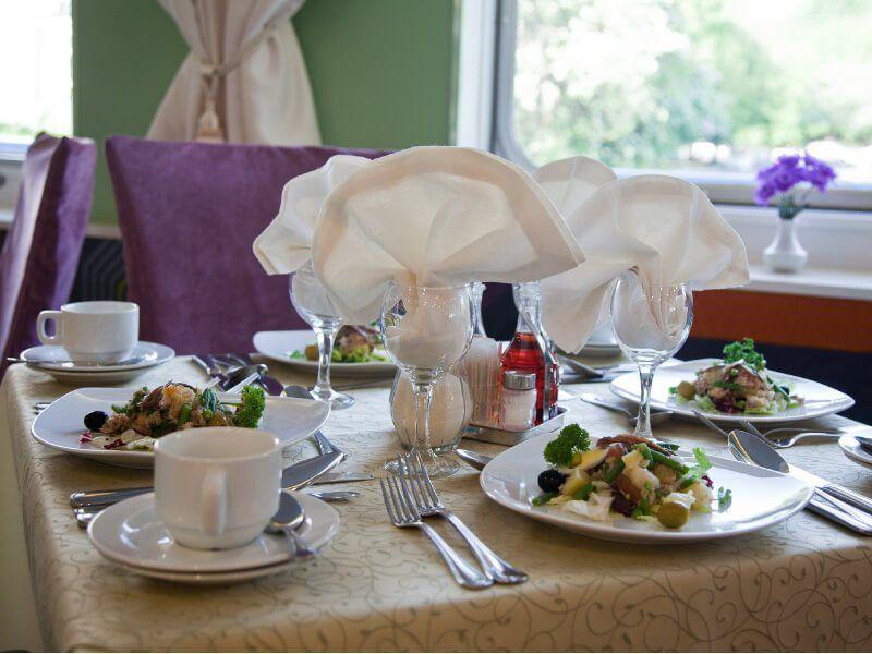 TABLE-RESTAURANT-MS-KANDINSKY-PRESTIGE