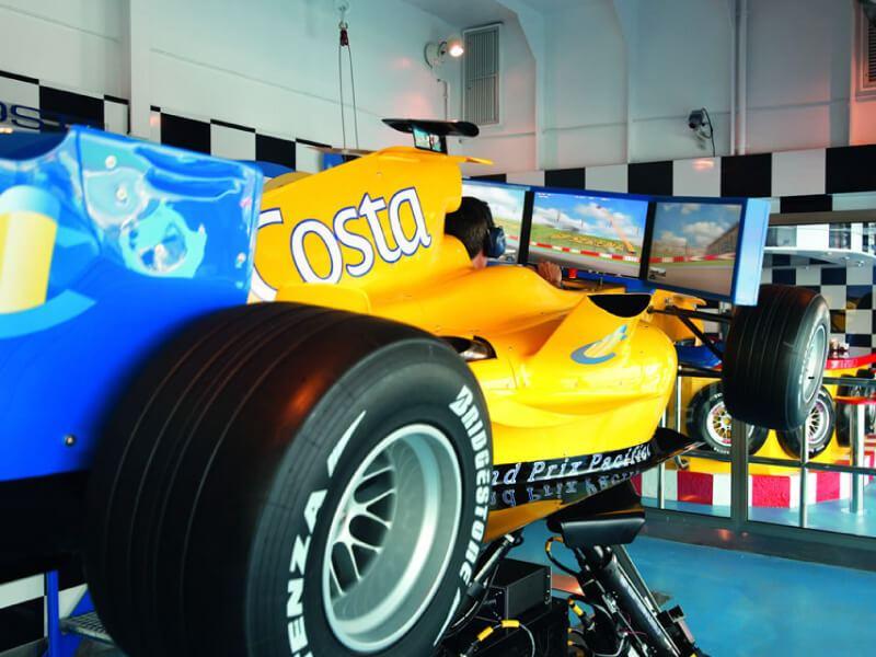 Simulateur de Formule 1 du bateau de croisière Costa Fascinosa