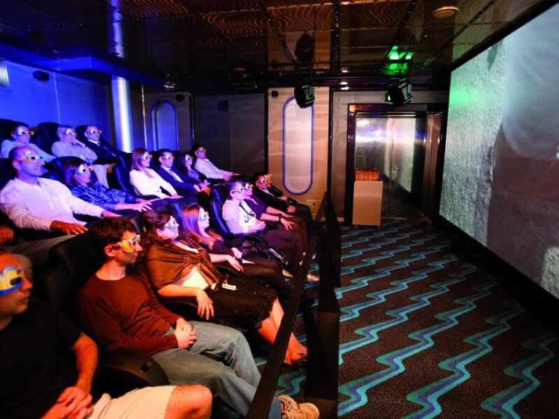 Salle de cinéma 4 D du bateau de croisière Costa Favolosa