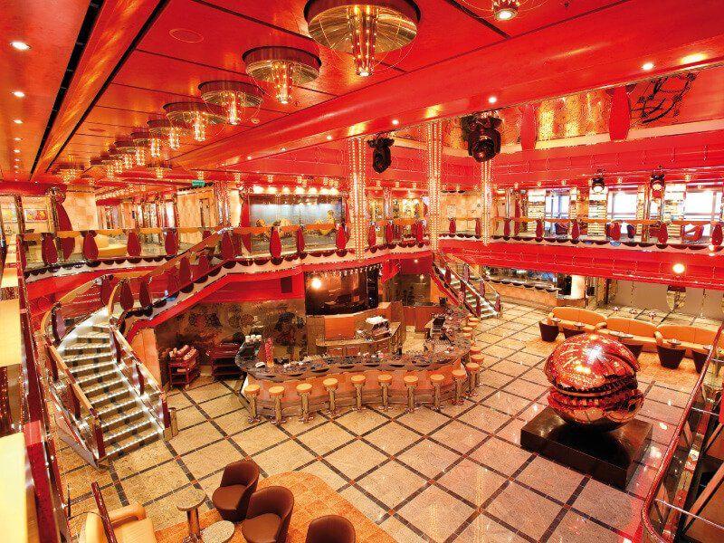 Hall du bateau de croisière Costa Deliziosa
