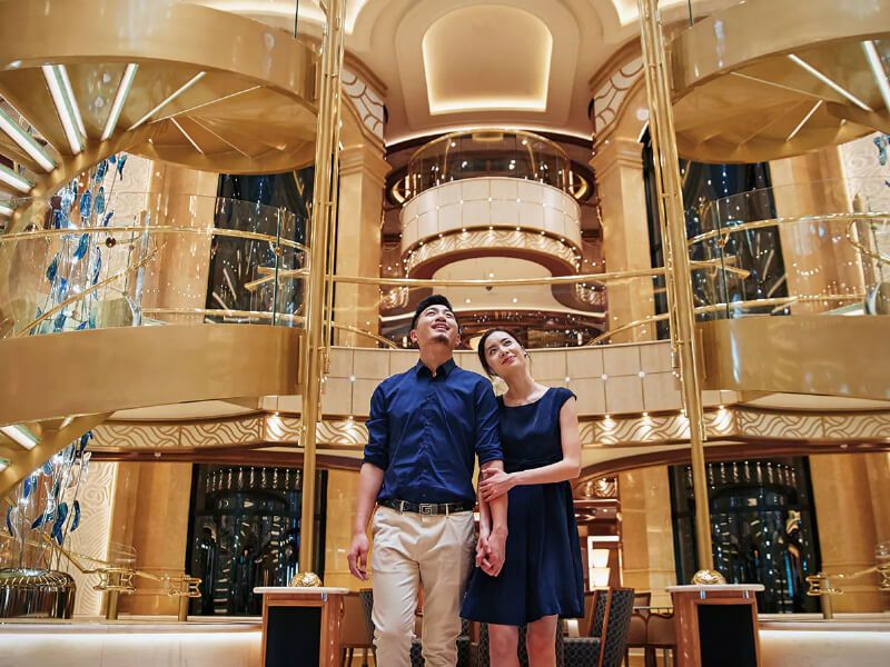 Grand Atrium du bateau de croisière Majestic Princess