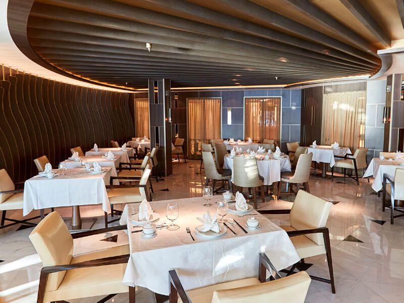 Restaurant du bateau de croisière Majestic Princess