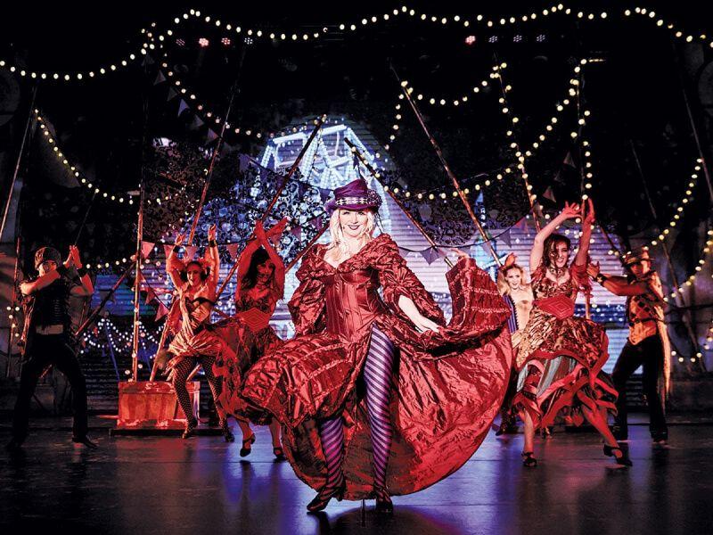 Théâtre du bateau de croisière Majestic Princess