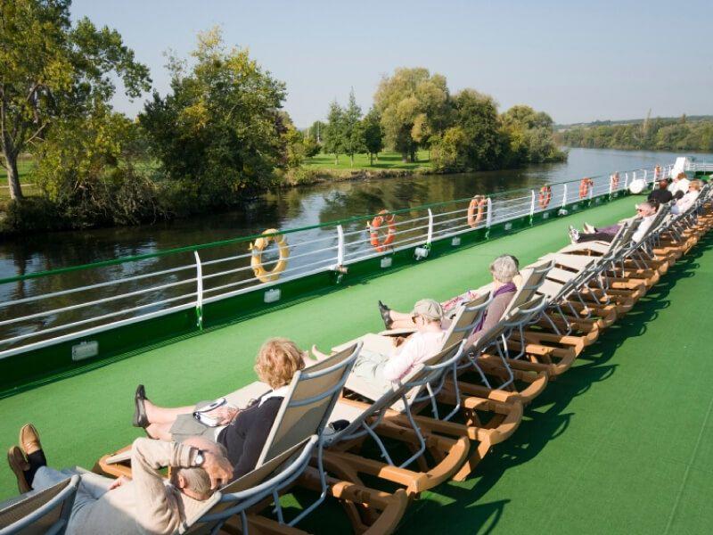 Pont soleil du bateau MS Van Gogh