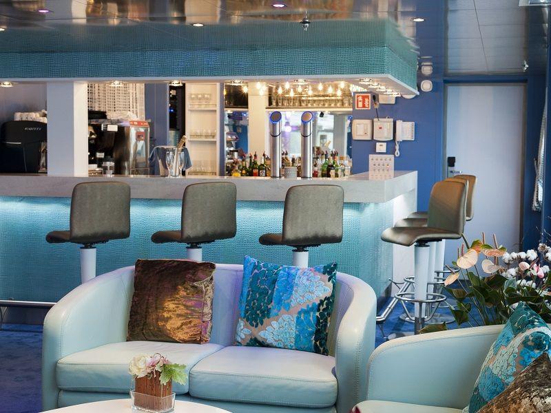 Bar et salon à bord du Ms Cyrano de Bergerac