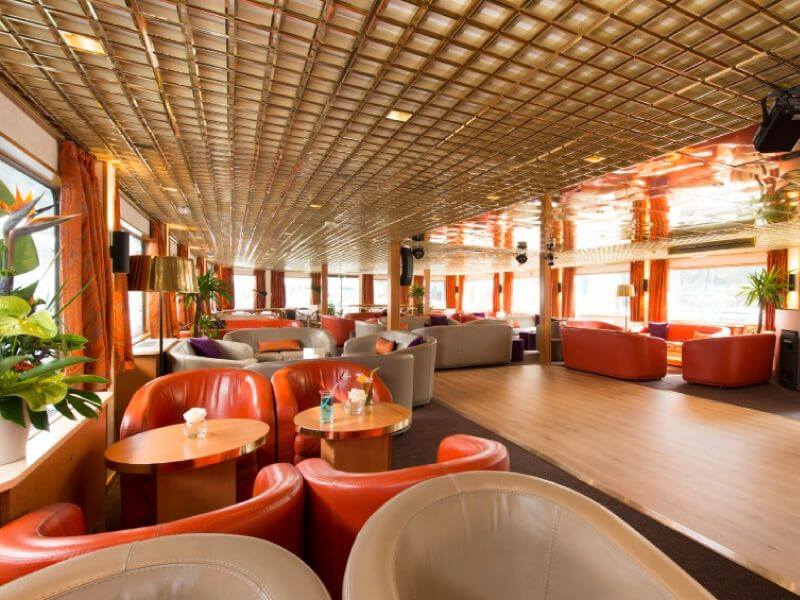 Salon bar du bateau MS Seine Princess
