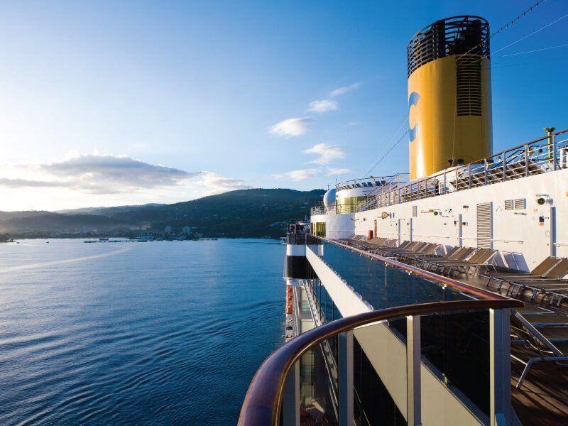 Vue extérieure du bateau de croisière Costa Mediterranea