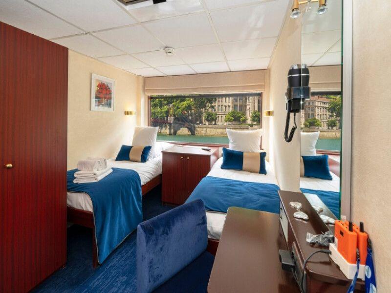 Cabine double deux lits du bateau MS Mistral