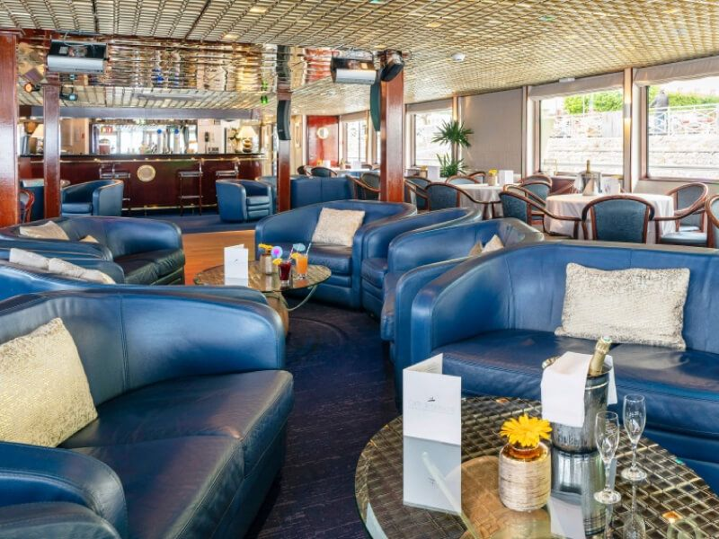 Salon bar du bateau MS Mistral