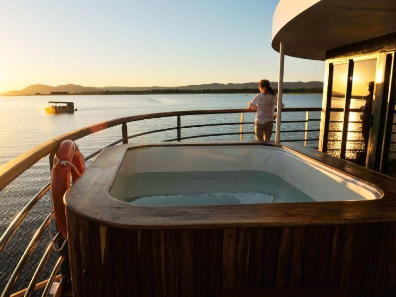 Petite piscine du bateau RV African Dream