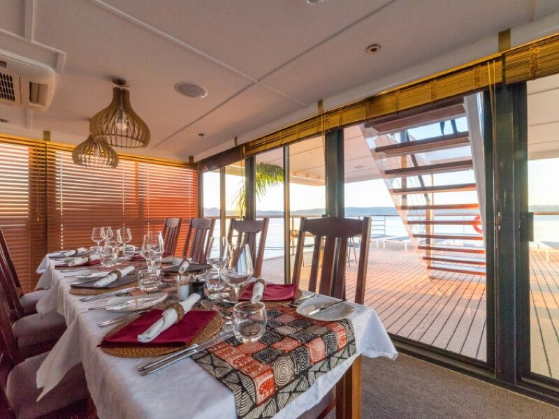 Restaurant du bateau RV African Dream