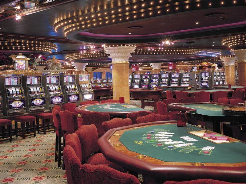 Club Monaco Casino du bateau de croisière Carnival Glory