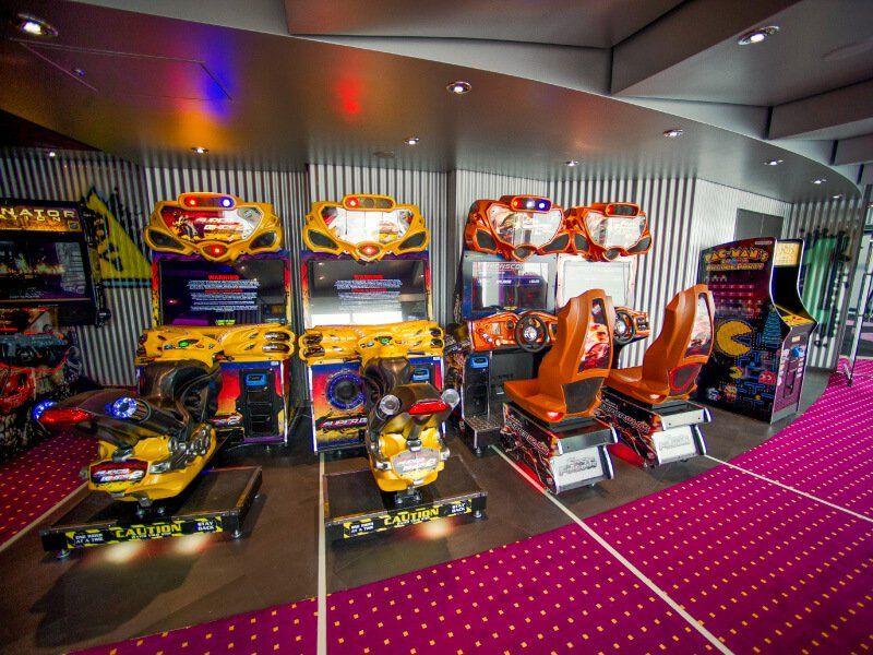 Salle de jeux vidéo du bateau de croisière MSC Preziosa