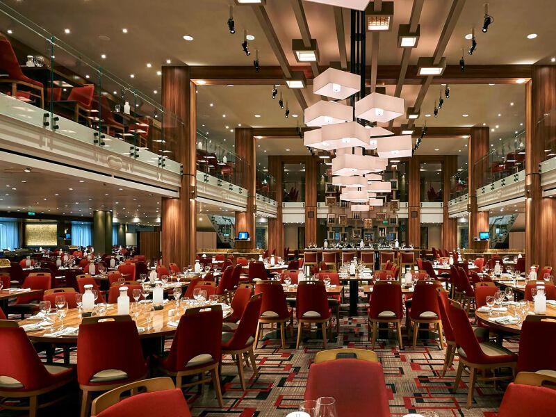 Restaurant du bateau de croisière Carnival Conquest