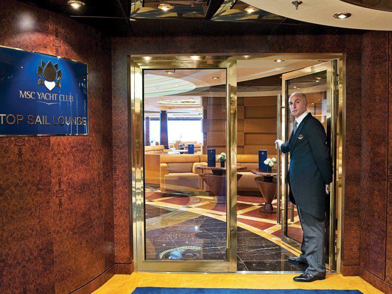 Bar Yacht Club du bateau de croisière MSC Fantasia
