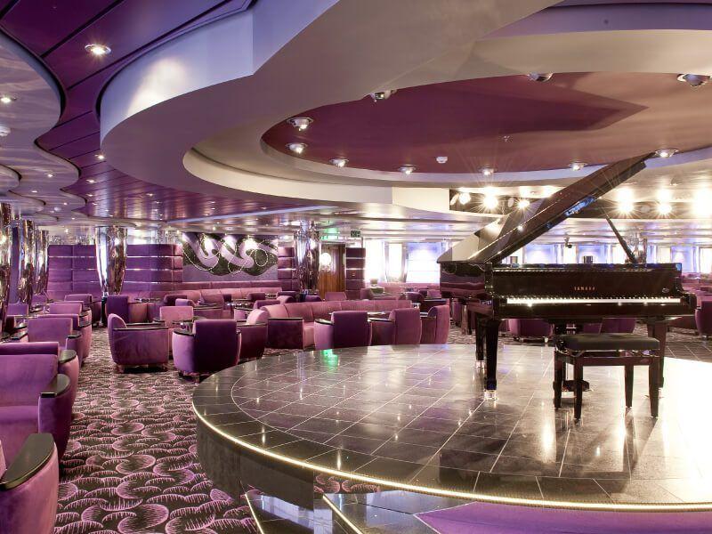 Piano Bar du bateau de croisière MSC Magnifica