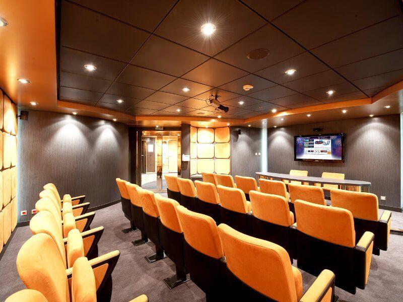 Salle de conférence du bateau de croisière MSC Magnifica