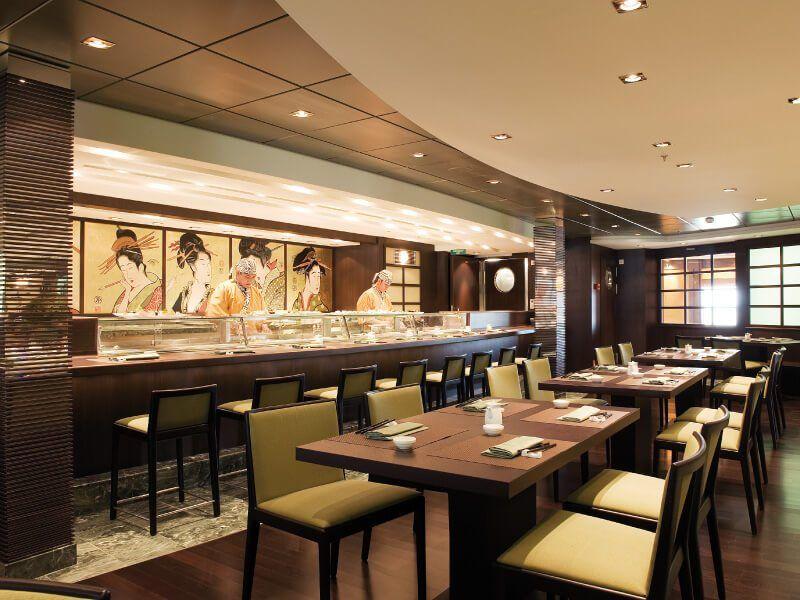 Restaurant asiatique du bateau de croisière MSC Poesia